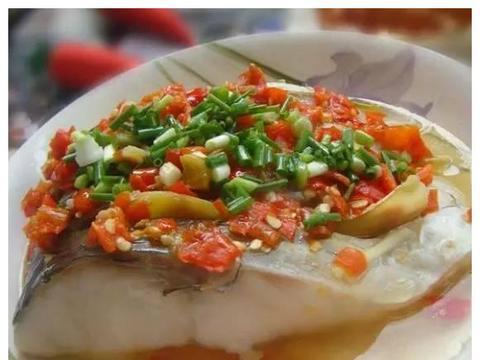 简单家常菜:茭白黑木耳,剁椒蒸鱼块,手抓羊肉