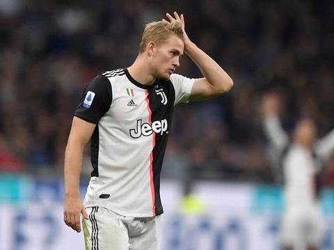曼联有意引进德里赫特 要求尤文用他换博格巴 索帅可能明夏再买他