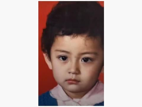 她曾给巩俐做替身,童年照撞脸杨幂,如今家庭幸福女儿可爱