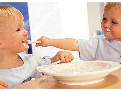 孩子容易咳,空腹的时候3种不能给他吃,会对脾肺产生负担