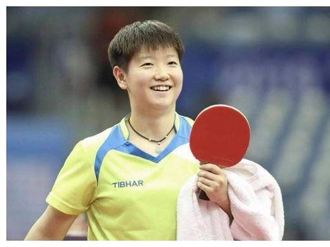 国乒功臣是孙颖莎榜样,14字打动邓亚萍恩师,20岁勇夺奥运首金