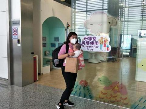"""白云机场:小小""""母婴室""""浓浓关爱情"""