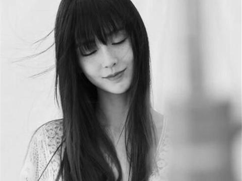 摄影师晒杨颖的雀斑脸妆让人看到她的另一种美,眼神妩媚动人!