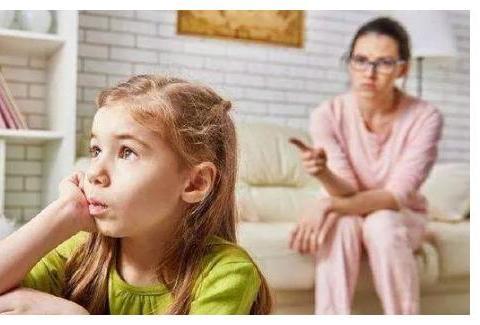 如何不吼不叫,让孩子自律?心理学:放下父母的焦虑,不做监工