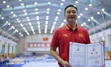 """他被誉为男版""""郎平"""",曾为美国培养奥运冠军,如今回国效力!"""