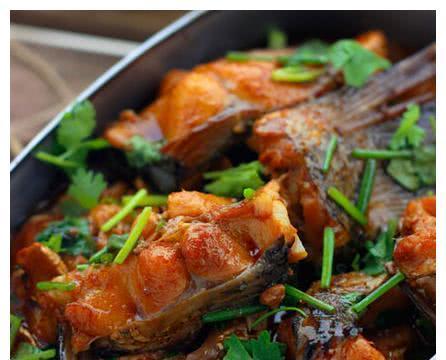 美食推荐:懒人红烧鱼,羊肚菌炒土鸡蛋,麻辣鸭掌的做法