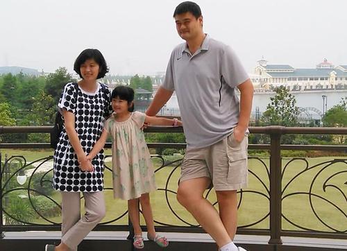 中国入境限制,炸出了许家庭双国籍的情况,外籍孩子能回国吗?