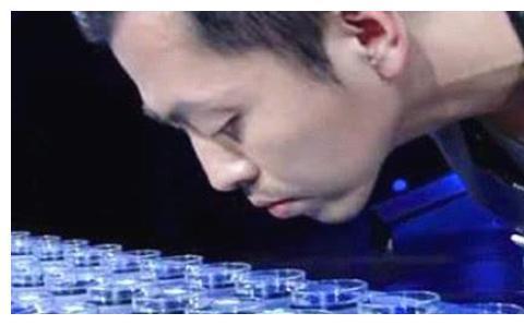 还记得《最强大脑》的王昱珩吗?私下帮助警察破案,如今成这样