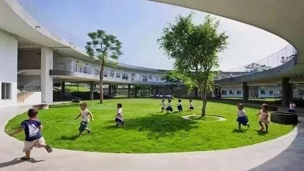 看到国外的幼儿园,才明白我们的教育中缺什么