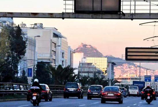 希腊确诊1415例50人死亡 当局宣布5城市实施宵禁