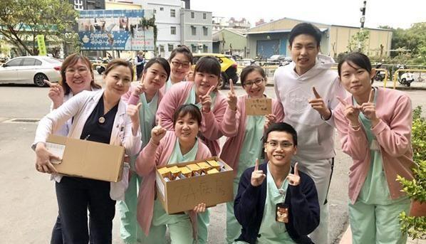 暖男!中国台北一哥周天成结束14天隔离 慰问医护人员送护手霜