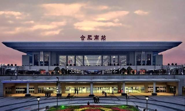 中国城市GDP前12强,长三角城市群独占五席,成为我国经济领头羊