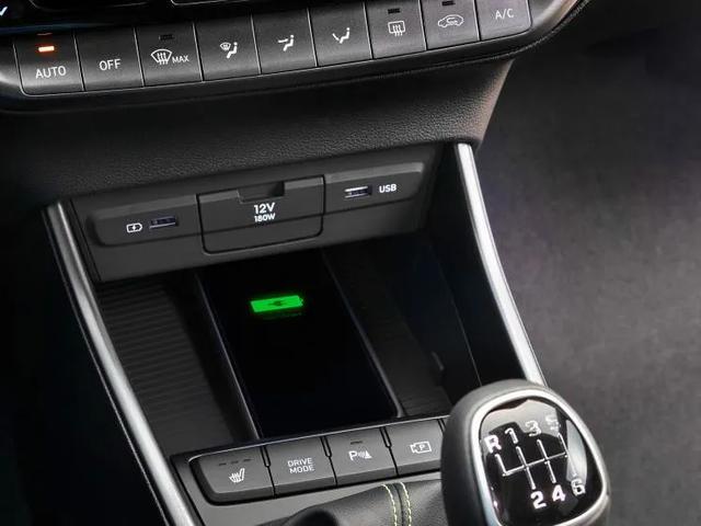 全新现代i20内饰官图发布,搭载1.0T发动机