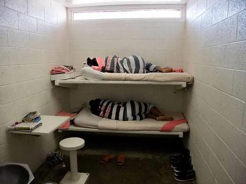 最大女子监狱:男人无论美丑对于他们都有致命吸引力!狱警都腿软