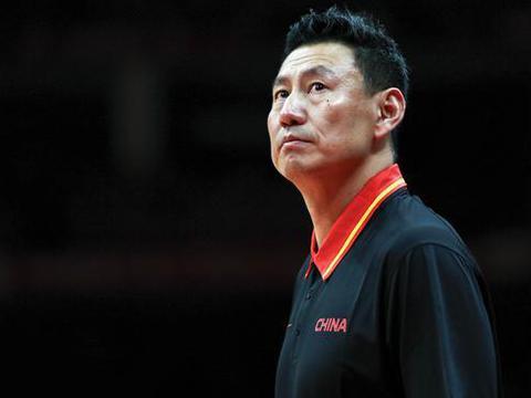 李楠:篮球世界杯时用人相对保守,会进入俱乐部执教