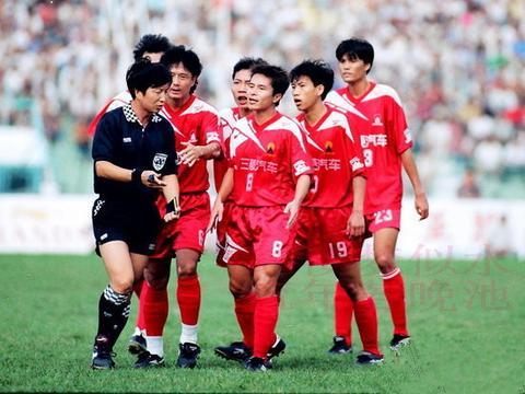 足球采访日记:与彭伟国谈广州太阳神(现恒大)95年开局不利原因