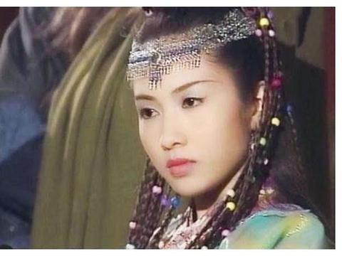 十套渐变色古装欣赏:襄铃碧瑶的喇叭袖、洛霞秋灵素的青楼装超美