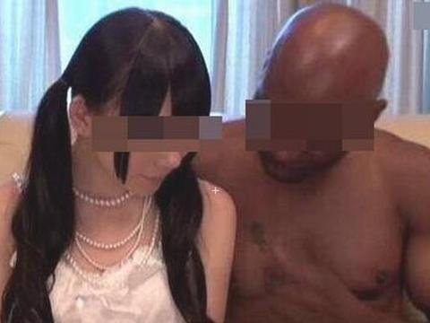 女子半年交往15个黑人男友她说:找黑人改良下一代基因!