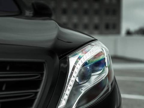 豪华的运动感 梅赛德斯-AMG S 63实车