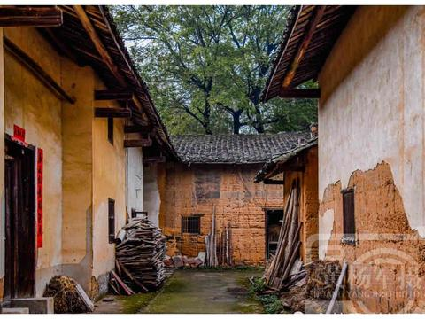 江西南康区沙田塅村,瓦房老屋过去最熟悉的赣南乡村景色,看咋样