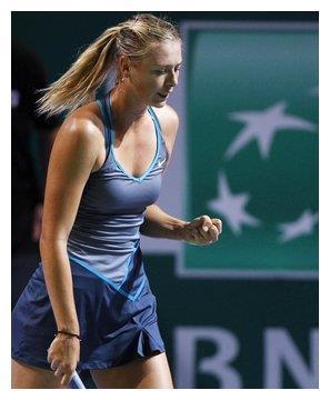 模特跨界变身网球少女,网友直呼:身材不输莎拉波娃