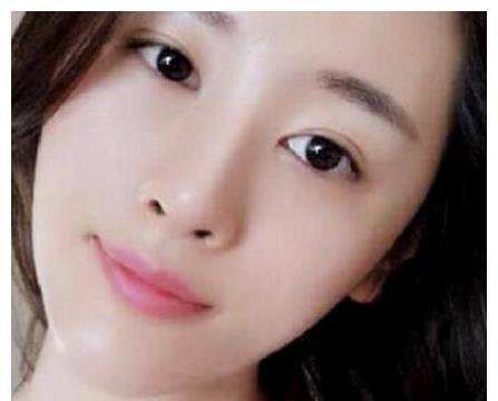 国家一级演员侯勇,三婚娶小20岁娇妻,近照曝光长相甜美身材曼妙