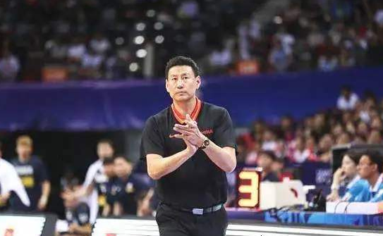 周琦李楠尴尬!FIBA官方重播中国男篮不敌波兰,世界杯耻辱一战