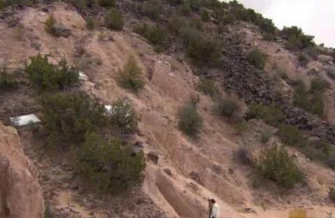 男子隐居沙漠里25年,被曝光后却令世人为之赞叹!