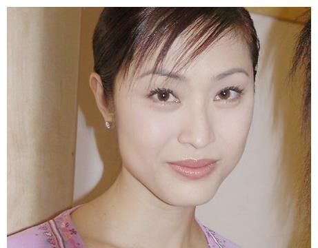 港姐陈法蓉旧照曝光,有没有整容,一目了然