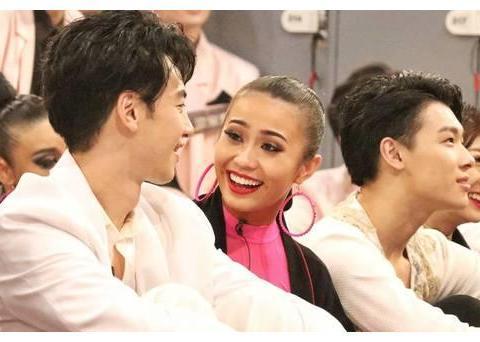 《舞蹈风暴》:她是拉丁舞世界冠军,在节目里却因表情包而火了