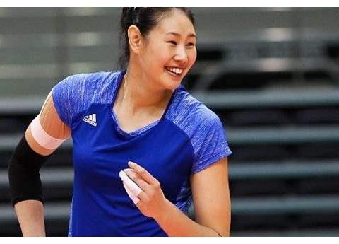 颜妮是女排大器晚成奇才,28岁获世界冠军,郎平看中她一点特质