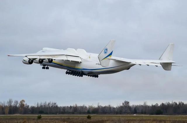 疫情肆虐,各国急需空运,世界最大运输机安-225要来中国运口罩