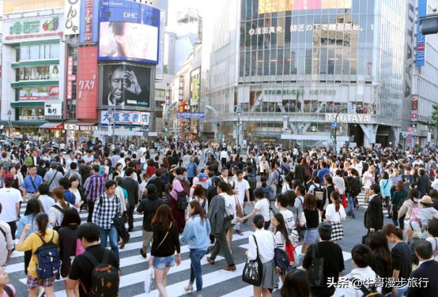 全球人口最多的城市,比北京还多1600万元,当地人:出行就是春运