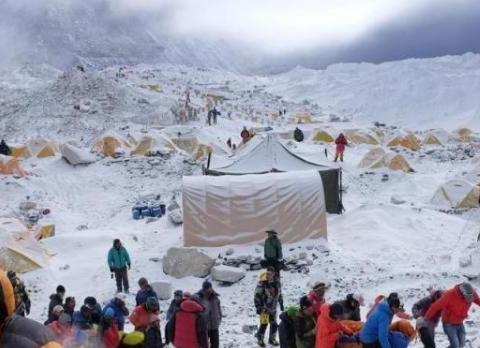 珠峰上300多具尸骨,大多有名有姓,为何没有国家和亲属去收尸?