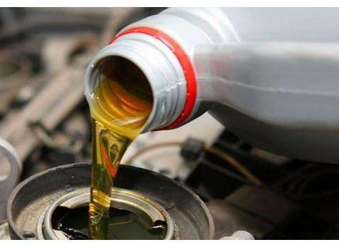 汽车动力不足就是要清积碳?别再信汽修店忽悠,这5个地方先检查