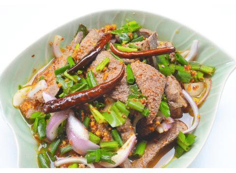 春季家常菜:鱼香肝片,黄花菜蒸鸡,松子意面,电饼铛牛排的做法