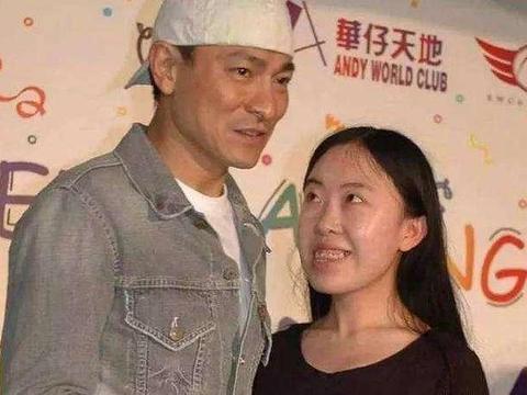 16岁追刘德华至家破人亡的杨丽娟,43岁未婚住在80元的廉价出租房