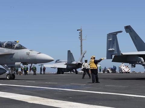 爆了!美军一艘航母200人感染,舰长发公开信:别让我们无辜送命