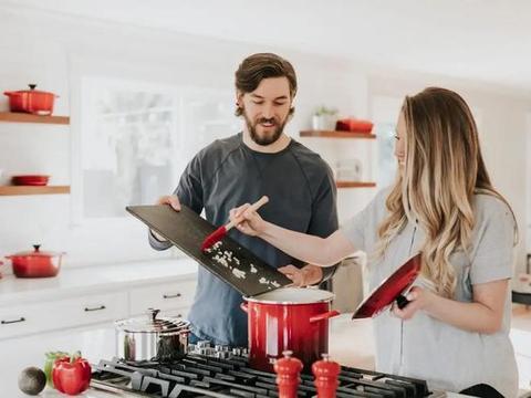 做菜7个坏习惯,小心致癌风险!几乎家家都中招,为了家人必须看