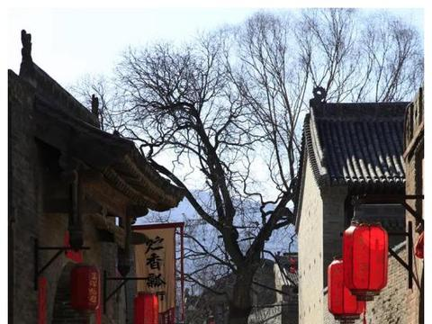 实拍山西:闲游晋中,发现一座千年古堡,村内竟毫不破败绿意盎然