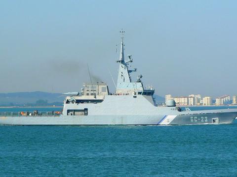 德国邮轮撞沉委内瑞拉巡逻舰,肇事逃逸还理直气壮