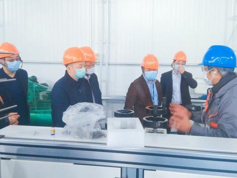 乾享机电 智能口罩机生产线在临港新片区复工复产