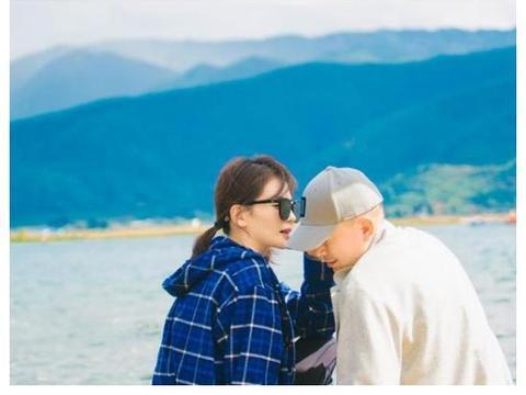 刘涛王珂离婚了?曾因删光微博引热议,如今二人秀出同款背影照