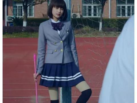 本来不信170孙怡腿长1米2,当她穿牛仔裤站栏杆旁拍照,我信了