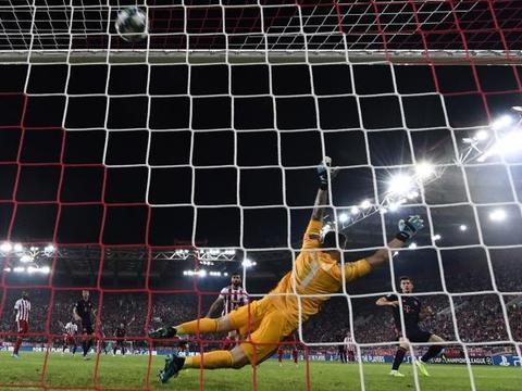 穆勒的进球效率极高,为何始终无法成为,拜仁的头牌球员