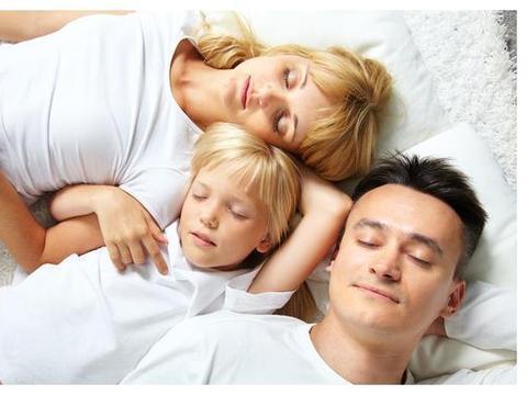 孩子有了负面情绪,父母不要忽视,把握这几点培养健康宝宝