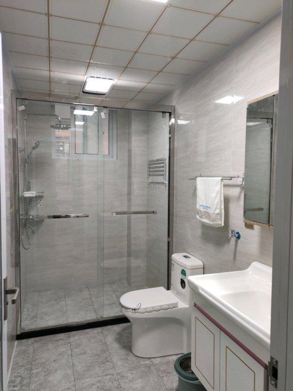 厕所 家居 门窗 设计 卫生间 卫生间装修 装修 580_773 竖版 竖屏