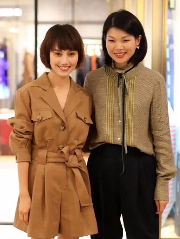 """当42岁袁泉同台38岁国际超模,终于明白什么叫""""岁月不负美人"""""""