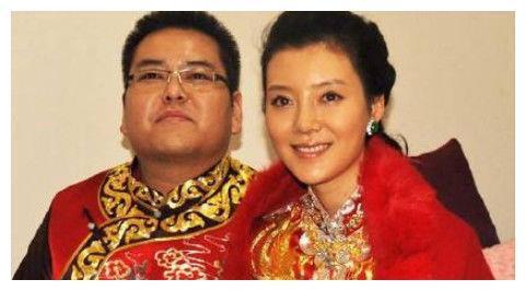 她28岁嫁百亿富豪,离婚6年又找到豪门男友,今成真正的人生赢家