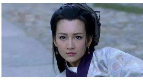 """靳东因孩子结束""""姐弟恋"""",后娶二婚的李佳,今43岁幸福不已"""